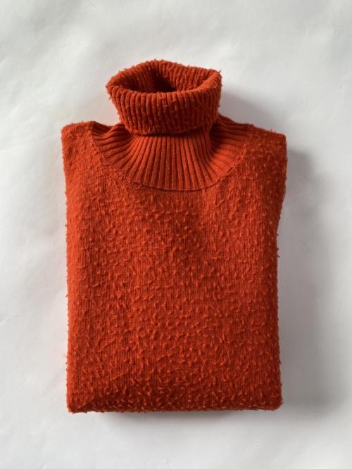bob_maglia_lana_collo_alto_arancione